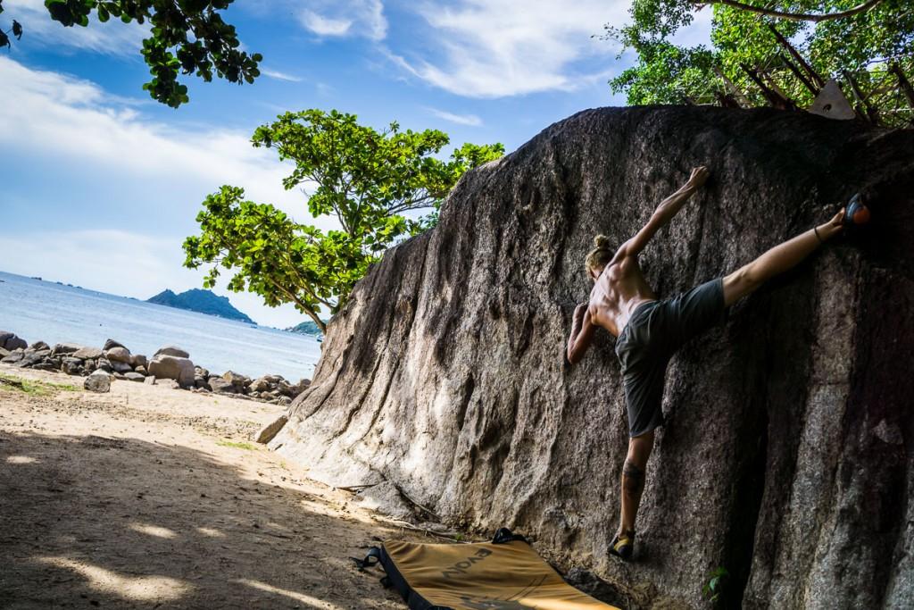 Bouldering Koh Tao Sairee Beach